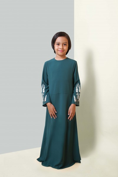 HANIS PREMIUM EMBROIDERED KIDS JUBAH -  EMERALD GREEN