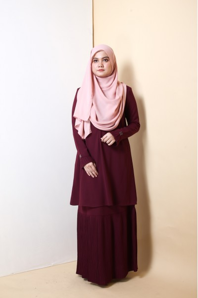 AS-IS KHALILA PREMIUM PLEATED KURUNG  - MAROON