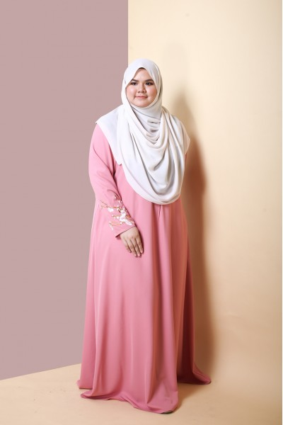 ALEESA EMBROIDERED JUBAH  - DUSTY PINK